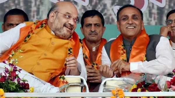 Vijay Rupani sworn in as Chief Minister of Gujarat, Nitin Patel as deputy CM