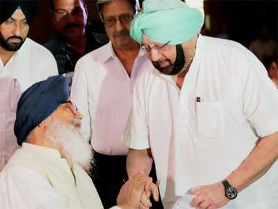 'Amarinder declaring Badal as 'innocent' exposes viewless understanding between the two families'
