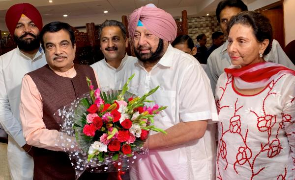 Amarinder seeks early clearance of ring roads around major Punjab cities from Gadkari