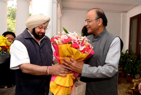 Capt meets Jaitley; Assured of full cooperation for smooth wheat procurement