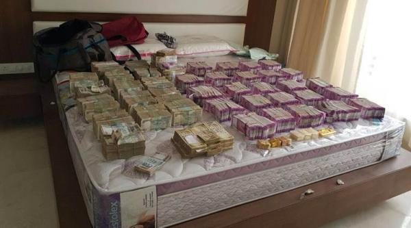 Biggest seizure since Nov 8; I-T officials seize Rs 5.7 crore in new currency notes in Bengaluru