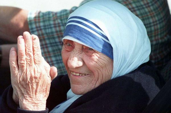 Pope Francis approves Sainthood for Mother Teresa