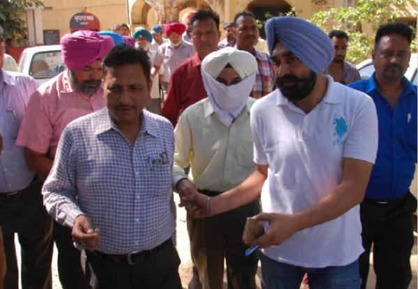Phagwara Jail Dy Supdt caught red-handed by vigilance