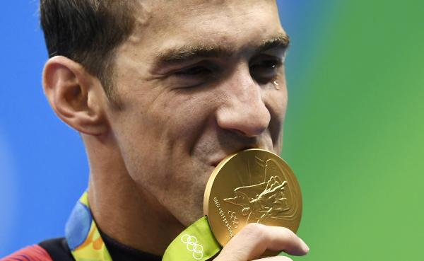 It's gold No.21 for Michael Phelps