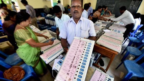 Cash, Gifts For Votes: EC scrapped Chennai's RK Nagar By-Poll