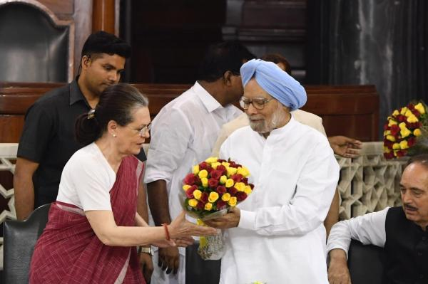 Sonia Gandhi to continue as Leader of Congress Parliamentary Party