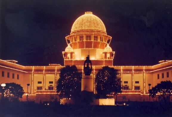 SC directs all HCs to install cameras in Distt Courts on experimental basis